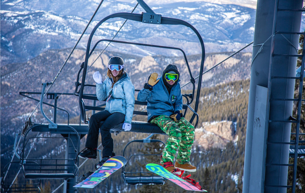 Echo Mountain Ski Lift - Skiing in Idaho Springs, Colorado Tourism
